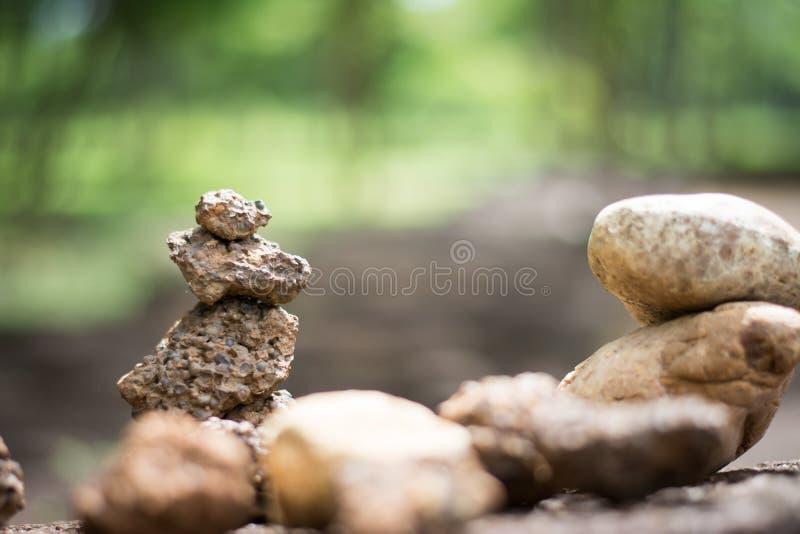 Beaucoup de pierres réglées verticales photo stock