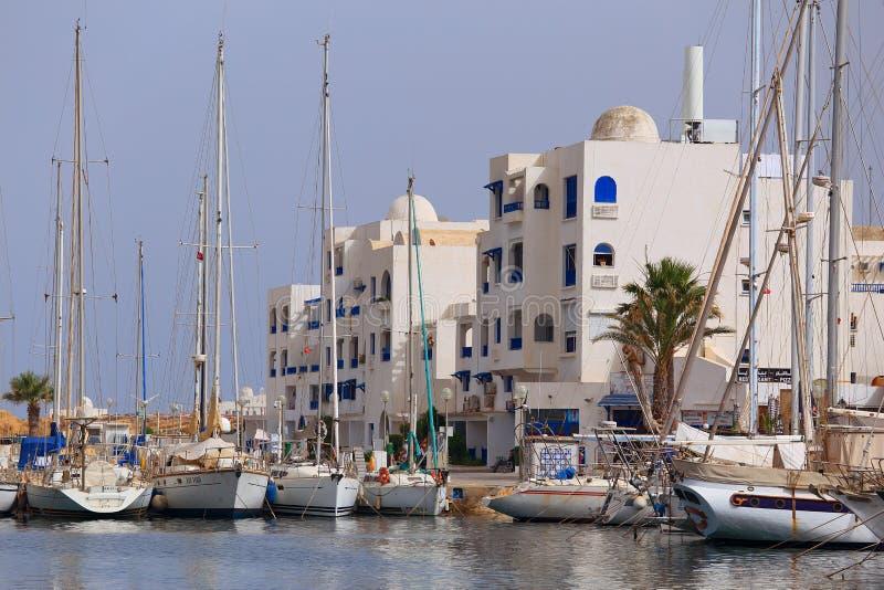 Beaucoup de yachts dans le port au pilier, Monastir tunisia photo stock