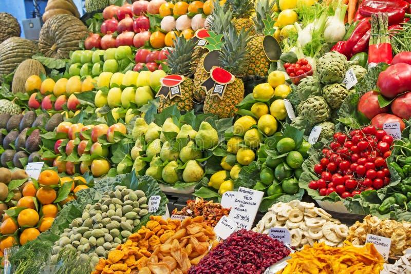 Beaucoup divers fruits et légumes photographie stock libre de droits