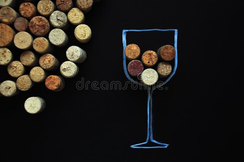 Beaucoup le vin en caoutchouc bouche le fond photos stock