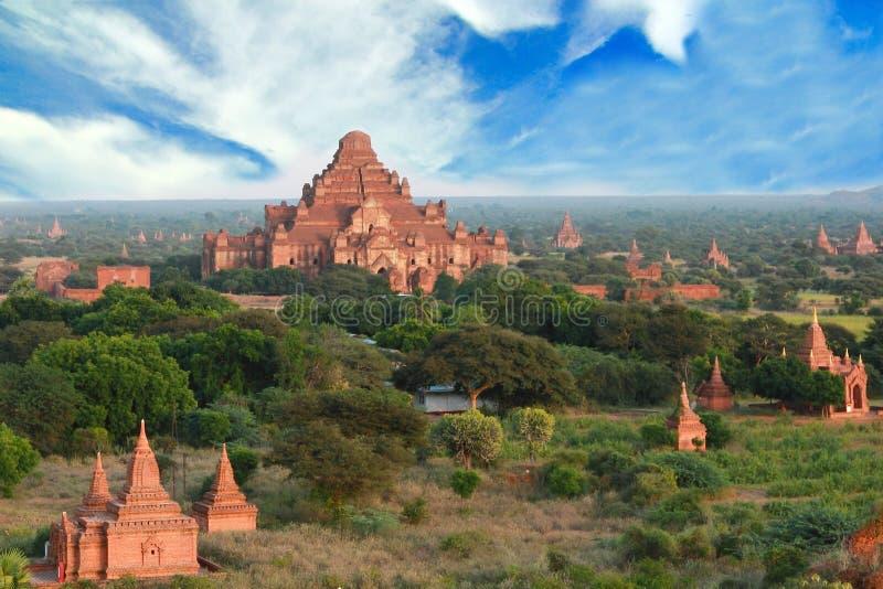 Beaucoup temple et pagoda dans myanmar bagan photo libre de droits
