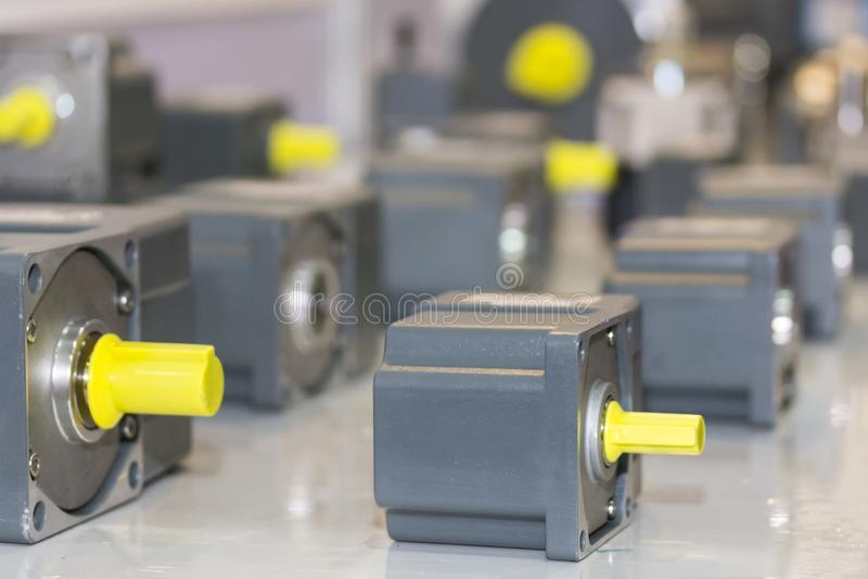 Beaucoup type de nouveau moteur électrique au stockage d'usine images libres de droits