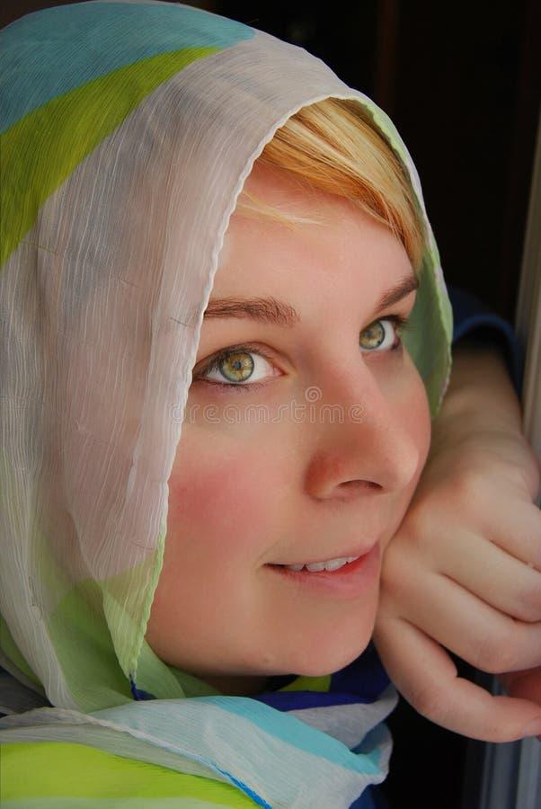 Beauté aux yeux verts images libres de droits
