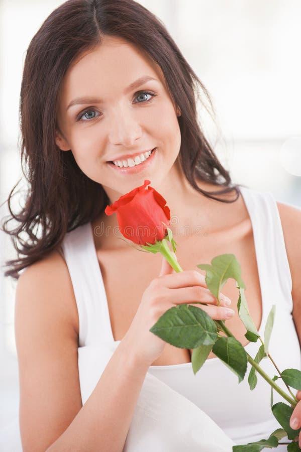 Beauté avec la fleur. photographie stock libre de droits