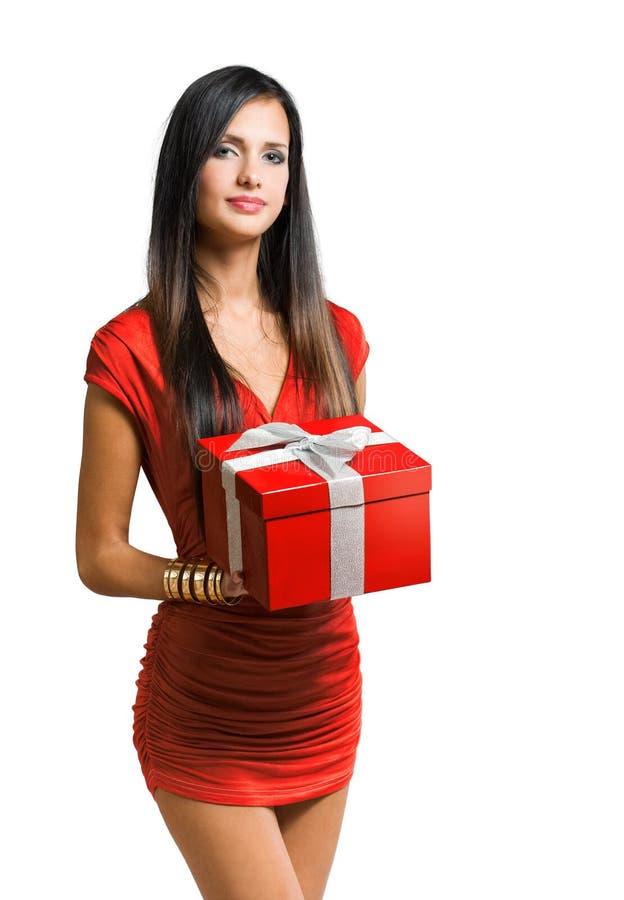 Beauté de brunette de Giftbox. image stock