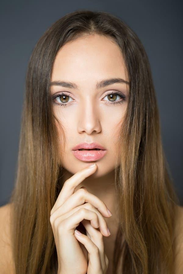 Beauté de cosmétiques de brune image stock