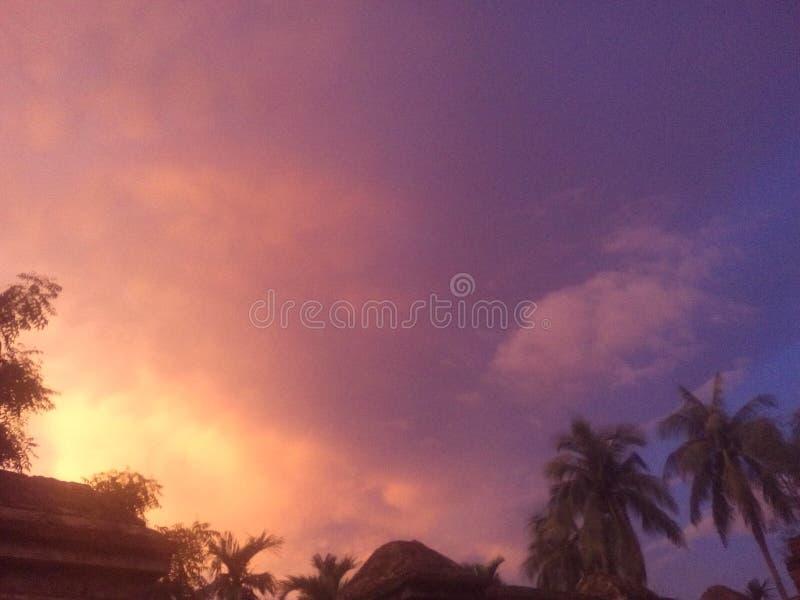 Beauté de nature avec le beau ciel photos libres de droits