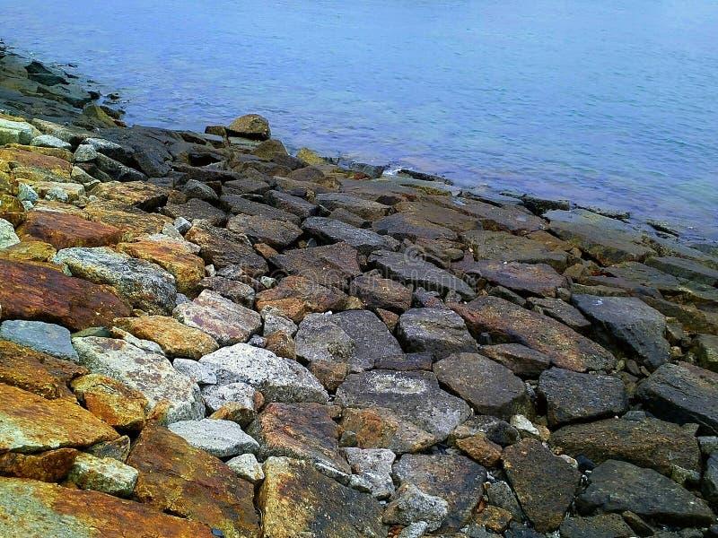 beauté de roche de la mer images libres de droits