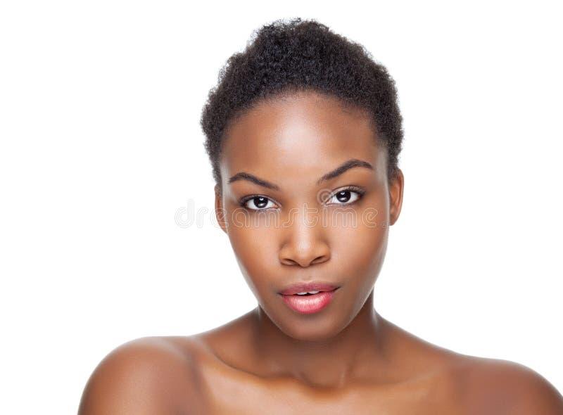 Beauté noire avec les cheveux courts image stock