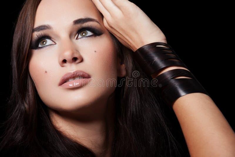 Beauté sur le noir photographie stock