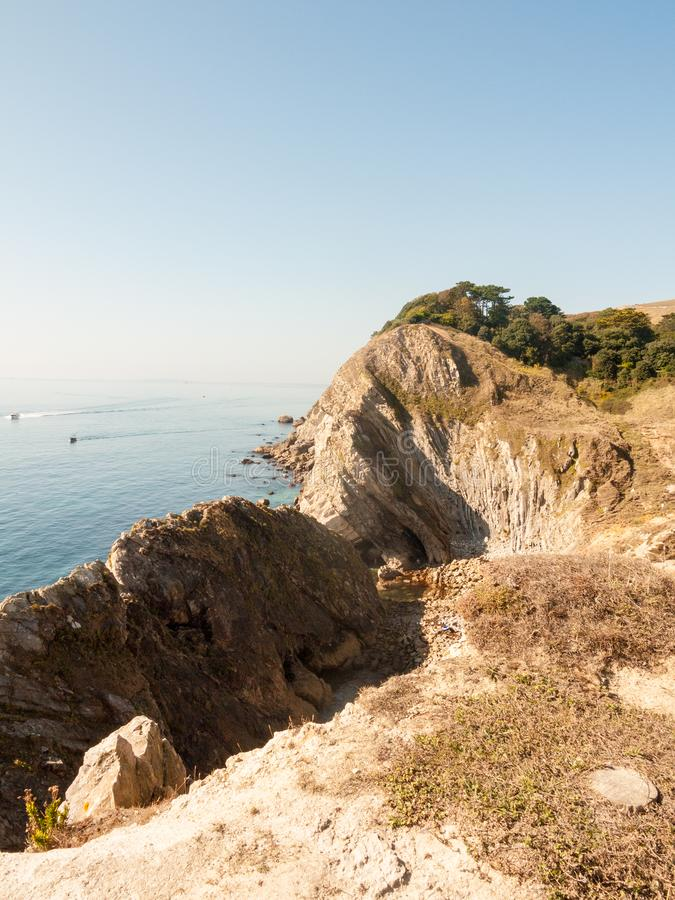 beauti de la bahía del día de verano del paisaje de la naturaleza de la opinión de Dorset de la ensenada del lulworth imágenes de archivo libres de regalías