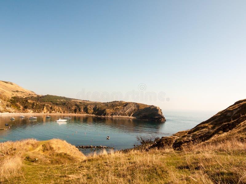 beauti de la bahía del día de verano del paisaje de la naturaleza de la opinión de Dorset de la ensenada del lulworth imagen de archivo