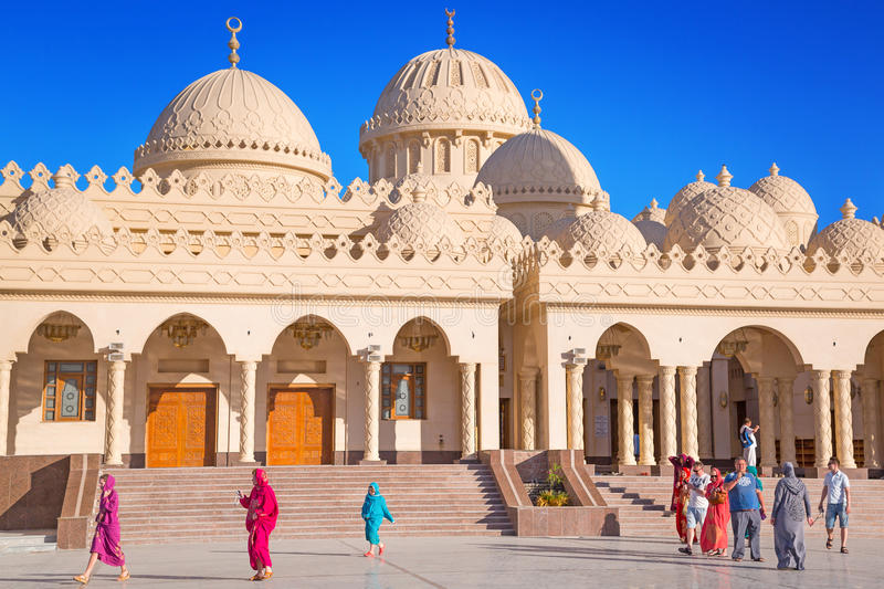 Download Beautiful Architecture Of Hurghada Marina Mosque In Egypt Editorial Photography - Image: 31005012