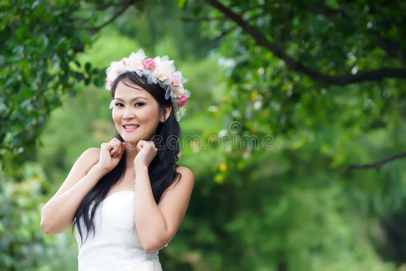 Download Beautiful Asian Lady White Bride Dress, Posing In The Forest Stock Image - Image: 32174777