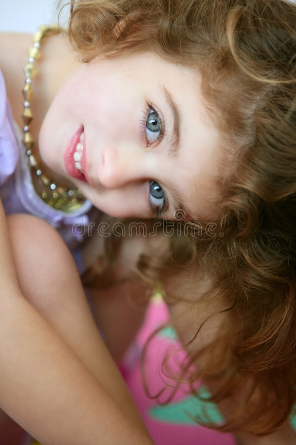 Free Beautiful Blue Eyes Little Girl Smiling Royalty Free Stock Images - 9006409
