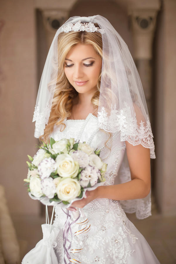 bridal veil christian girl personals Meet bridal veil singles online & chat in the forums dhu is a 100% free dating site to find personals & casual encounters in bridal veil.