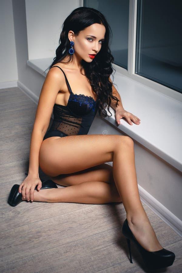 """Résultat de recherche d'images pour """"brune sexy"""""""