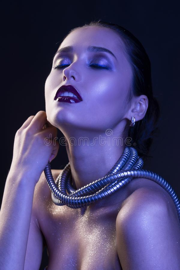 Free Beautiful Brunette Girl With Naked Shoulders And Dark Red Lips M Royalty Free Stock Images - 121426709