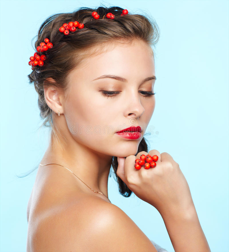 Free Beautiful Brunette With Ashberries Royalty Free Stock Photo - 33140355