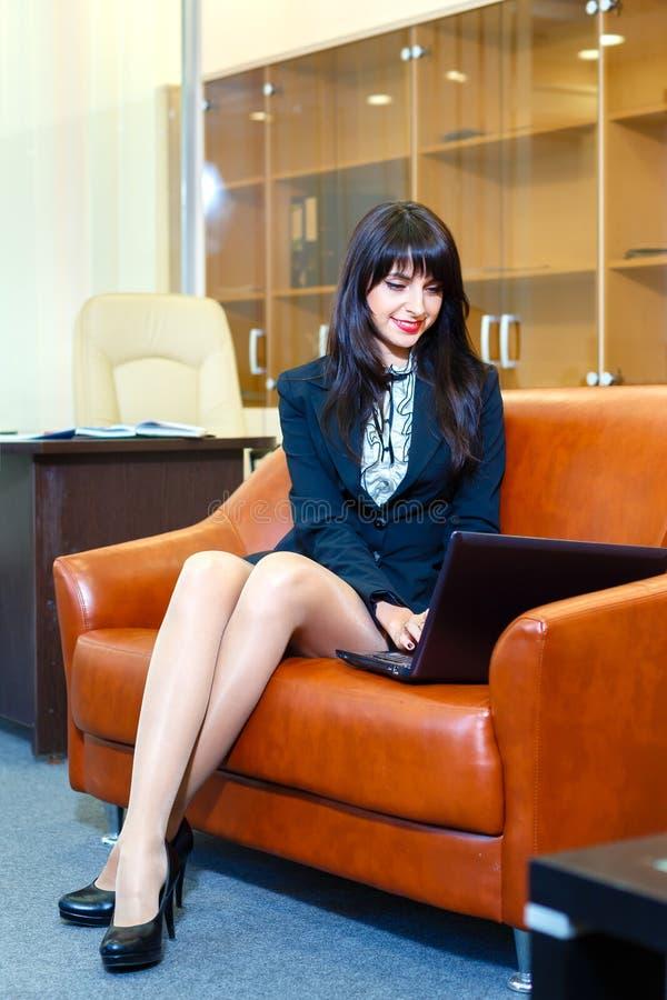 beautiful businesswoman laptop working young στοκ εικόνα