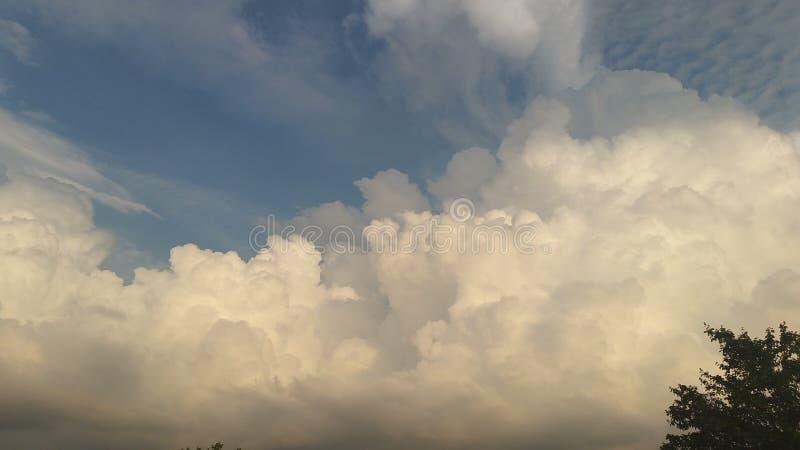beautiful clouds стоковое изображение rf