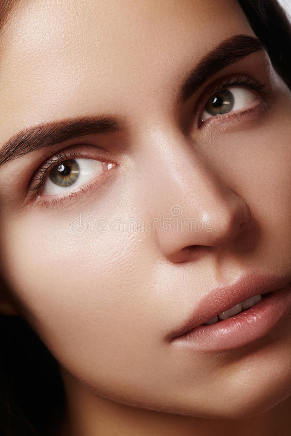 Free Beautiful Face Of Young Woman. Skincare, Wellness, Spa. Clean Soft Skin, Healthy Fresh Look. Natural Daily Makeup Royalty Free Stock Photos - 87511638