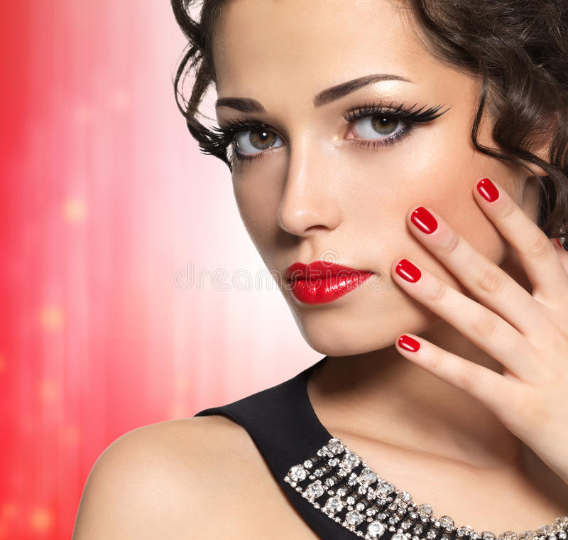 Fashion Beauty Model Girl Stock Image Image Of Manicured: Beautiful Fashion Model With Red Manicure And Lips Stock