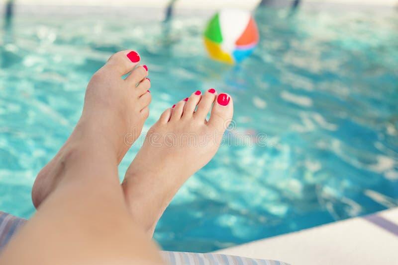 Sexy tan feet-3129
