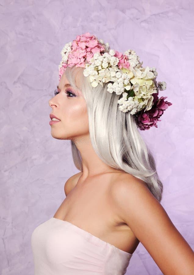beautiful floral girl wreath στοκ φωτογραφίες