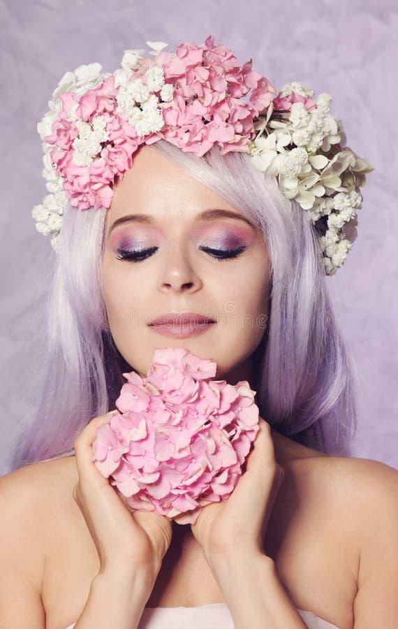 beautiful floral girl wreath στοκ εικόνες