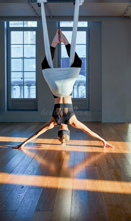 yoga-girl-upside-down-big-asshot-model