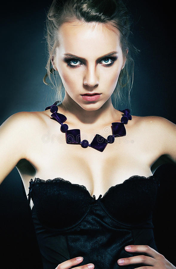 Free Beautiful Girl Supermodel With Necklace Posing Stock Image - 22631861