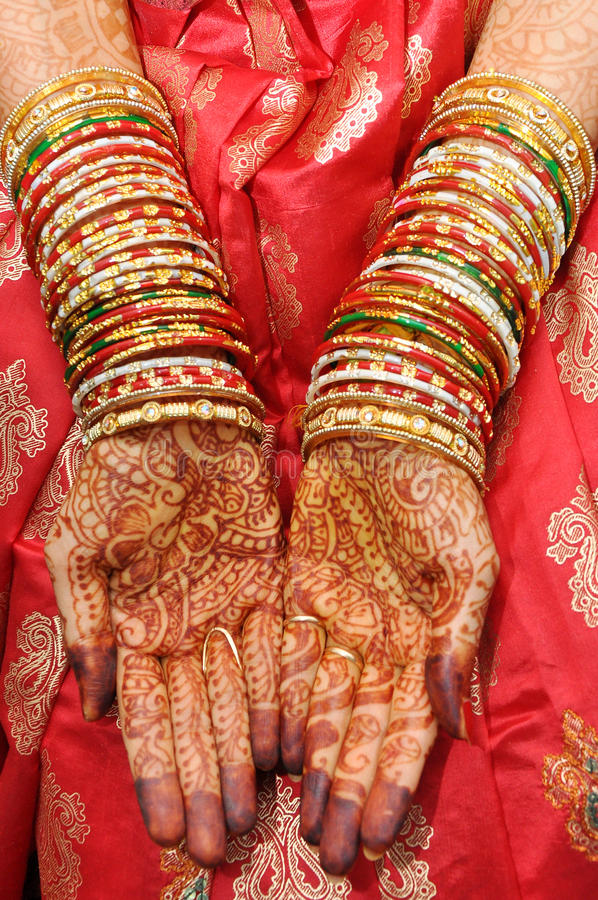 Beautiful Hands Of An India Bride Stock Image - Image: 34827491