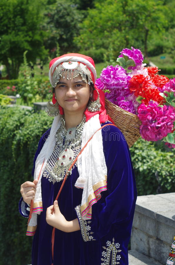 kashmir girl saxe movie