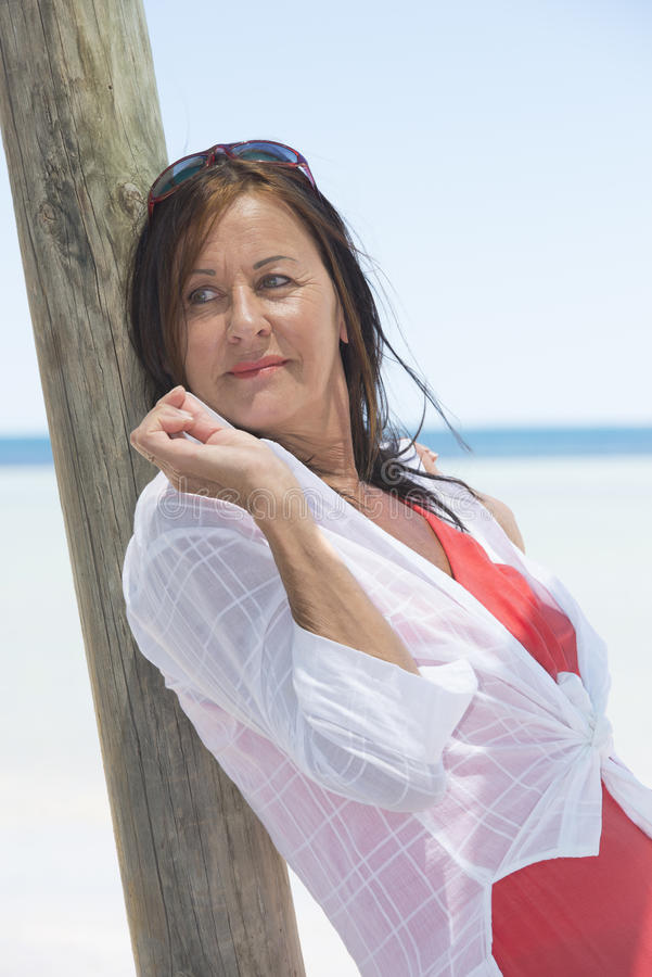 bradenton beach single mature ladies Single and over 50 is a premier matchmaking service that connects real professional singles with other like-minded mature singles that are serious about dating.