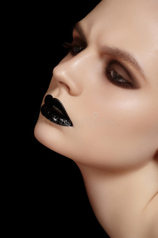 Download Beautiful Model Face With Fashion Lips Make-up Stock Photography - Image: 28240222