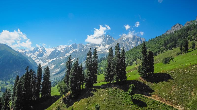 Beautiful Mountain Landscape Of Sonamarg, Jammu And ...