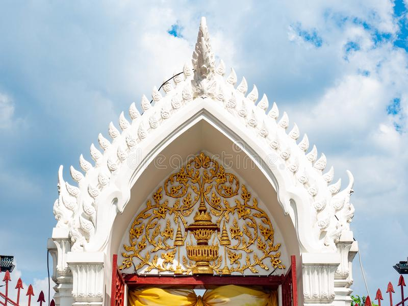 Beautiful old roof designed by Thai people,Temple name is Wat Arun Ratchawararam Woramahaviharn at Bangkok Thailand. Beautiful old roof designed by Thai people stock photography