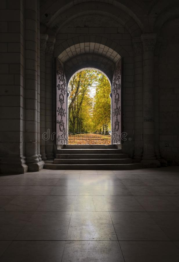 Free Beautiful Old Wooden Door Leading Out To Path In Autumn Trees Stock Images - 159751264