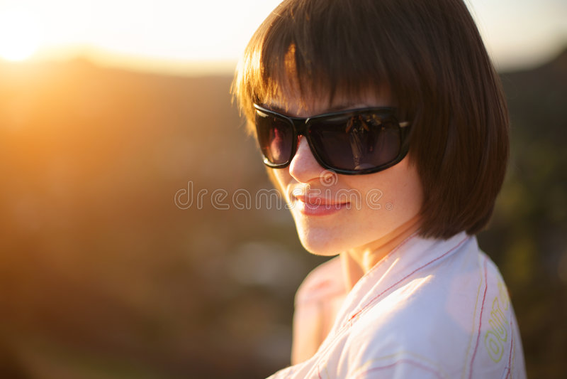 beautiful outdoors woman στοκ εικόνα με δικαίωμα ελεύθερης χρήσης