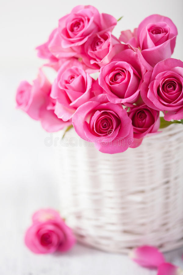 Beautiful Pink Roses Bouquet In Basket Stock Photo - Image of tender ...