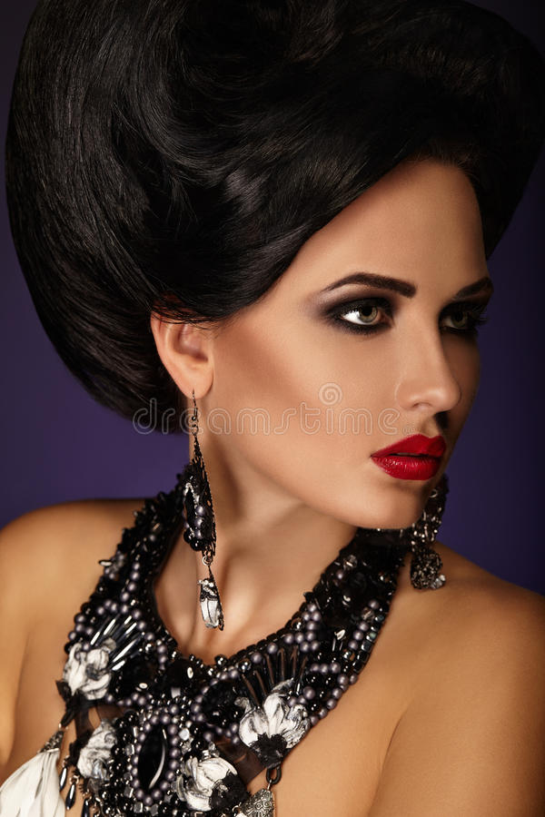 Download Beautiful Portrait Of A Girl, Makeup, Fashion Stock Image - Image: 35700843