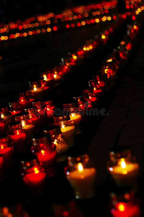 Free Beautiful Row Of Red Funeral Candles Stock Photography - 8240412
