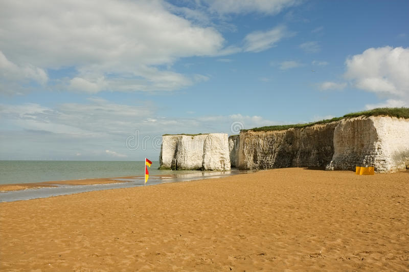 Download Beautiful Sandy Beach With White Cliffs In Kent Stock Image - Image of empty, flag: 25817083