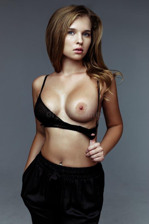 Sexy slim black women nude pics — photo 5