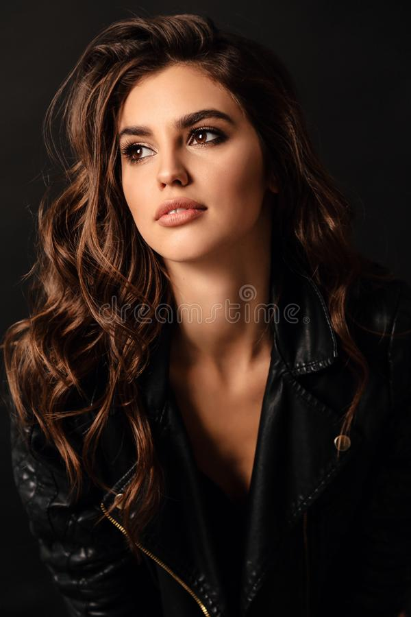 Free Beautiful Sexy Woman In Elegant Leather Jacket Posing In Studio Stock Photography - 163755692