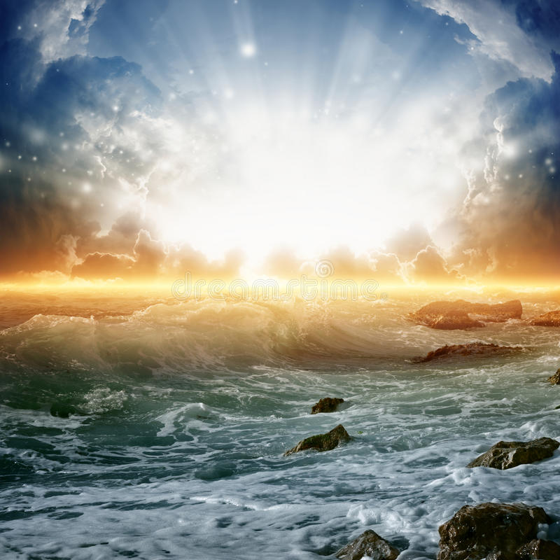 Free Beautiful Sunrise On Sea Royalty Free Stock Images - 29043699