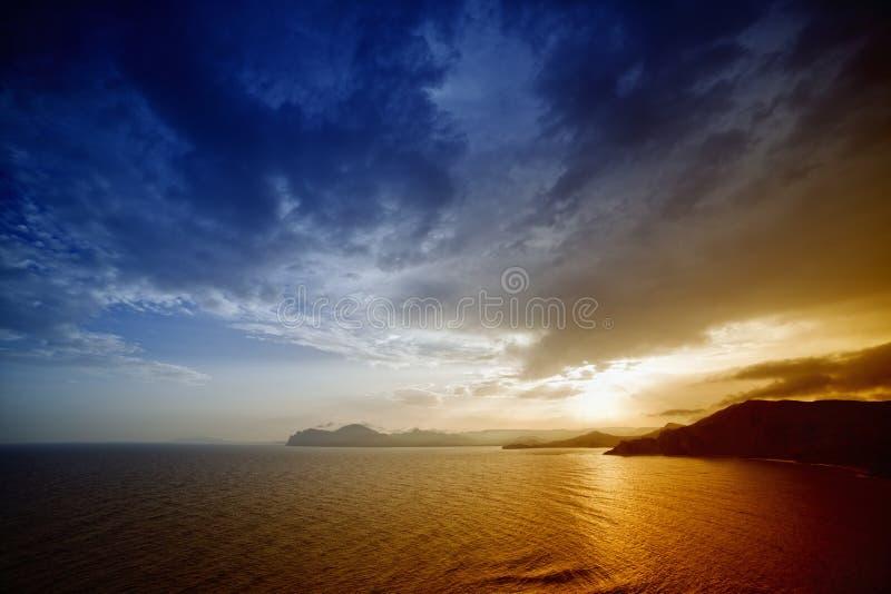Download Beautiful sunset stock image. Image of ocean, sunrise - 31287531