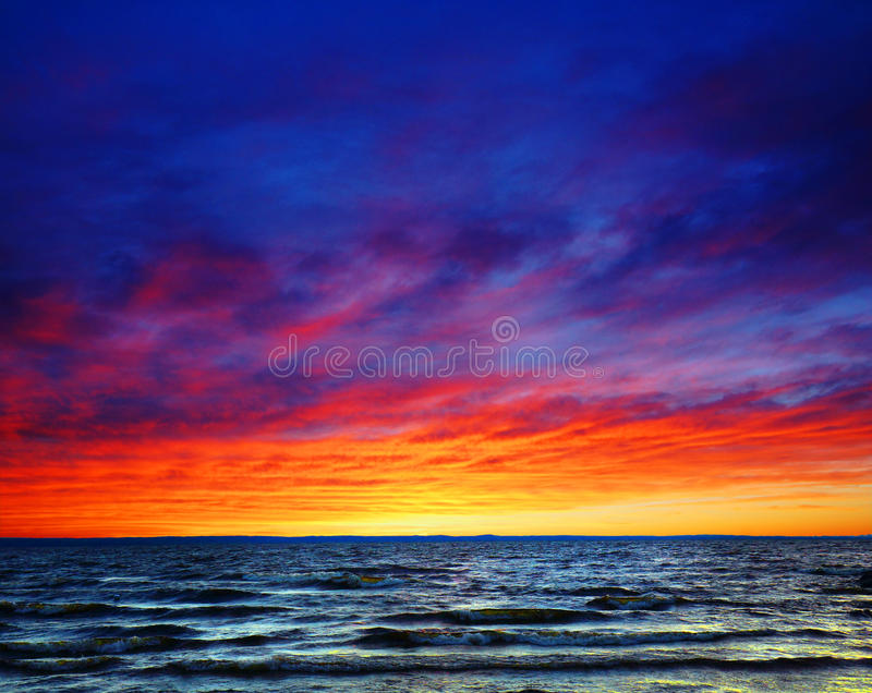 Download Beautiful Sunset Over The Sea Stock Image - Image: 33147023