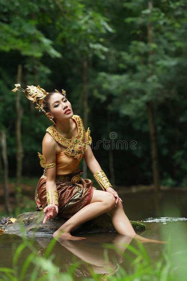Download Beautiful Thai Lady In Thai Traditional Drama Dress Stock Image - Image: 33597971